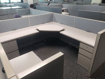 "Picture of Steelcase 9000 Enhanced  7x7 42"" high"