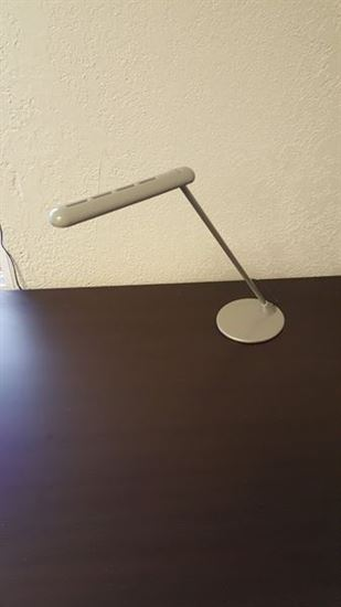 Picture of Herman Miller Flute LED Personal Task Light Y6470 Touch Lamp Gray Metallic Silver